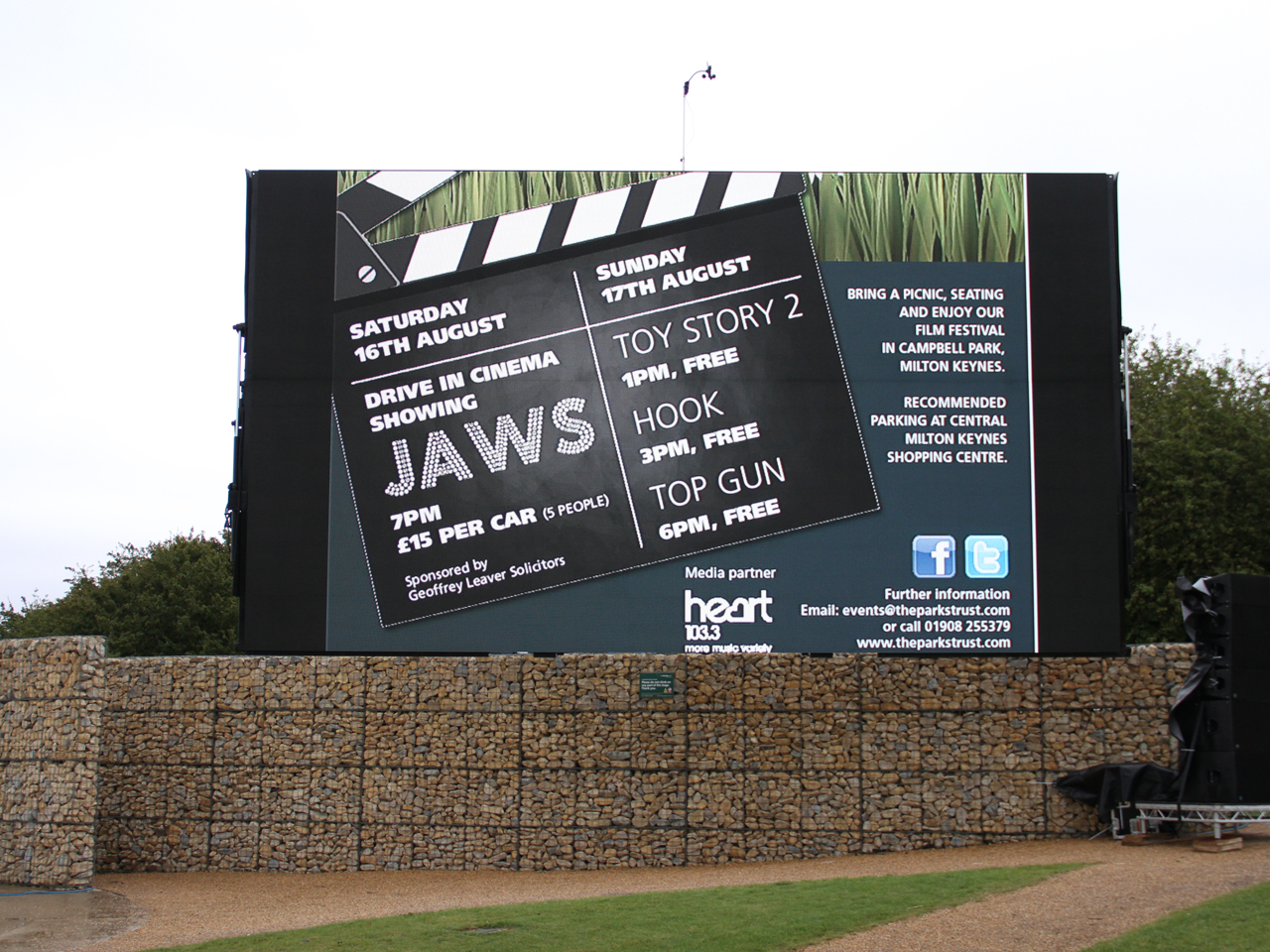 Sky-Fly Big Screen Hire & Large Outdoor Led TV Screen For Rental UK